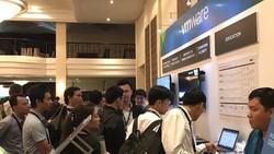 Giới IT tham dự sự kiện của VMware