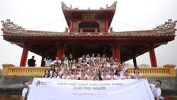 Các thành viên của Help-Portrait Việt Nam tại Huế