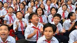 """Đầu năm học mới- một số trường lại xảy ra tình trạng """"lạm thu"""""""