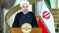 Tổng thống Iran Hassan Rouhani tuyên bố Iran không bao giờ khuất phục trước bất cứ áp lực nước ngoài nào