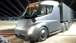 Xe tải điện đầu tiên trên thế giới