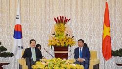 Bí thư Thành ủy TPHCM Đinh La Thăng tiếp Chủ tịch Quốc hội Hàn Quốc Chung Sye-kyun.