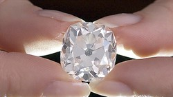 Sở hữu nhẫn kim cương 26 cara  với giá đồng nát