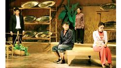 Sân khấu kịch TPHCM: Chông chênh tồn tại