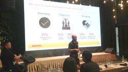 Ông Thomas Harris, Giám đốc điều hành của DHL eCommerce Việt Nam chia sẻ về dịch vụ vận chuyển bằng xe máy điện.