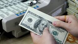USD giảm mạnh so với ngoại tệ khác