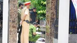 Cảnh sát khám nghiệm hiện trường vụ thảm sát