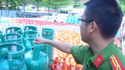 Cảnh sát PCCC tăng cường kiểm tra các cơ sở kinh doanh gas, khí hóa lỏng trên địa bàn TPHCM
