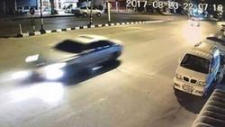 Camera an ninh ở Aranyaprathet, tỉnh Sa Kaeo, ghi lại hình ảnh ngày 23/8/2017 một chiếc xe mà giới chức Thái Lan tin là chở bà Yingluck bỏ trốn. (Ảnh: Khaosodenglish)