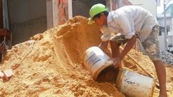 Giá cát tăng cao, TPHCM đề xuất thay bằng tro, xỉ.