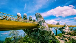 Cầu Vàng Đà Nẵng lọt Top 100 địa điểm tuyệt vời nhất thế giới