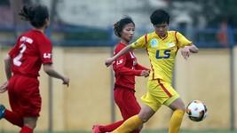 胡志明市隊(黃衣)奪得女子足球賽金牌。