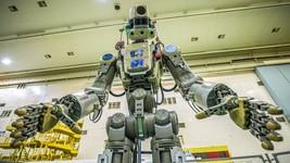 俄羅斯22日將首個機器人Fedor送上太空,Fedor有1.80米高,160公斤重。 (圖源:AFP)