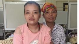 Trần Thị Thúy và mẹ đang điều trị tại bệnh viện Bạch Mai