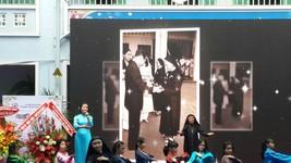 第五郡巴亭中學昨(18)日上午舉行慶祝成立70週年、越南教師節35週年儀式。