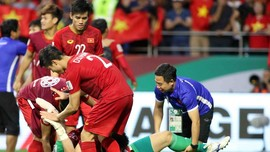 Niềm vui của các cầu thủ Việt Nam sau trận đấu. Ảnh: ANH KHOA
