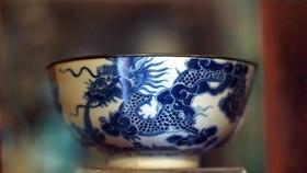 Đồ sứ ký kiểu thời vua Minh Mạng