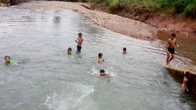 Kids usualy die from drowning in summer vacation (Photo: SGGP)