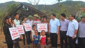 Deputy PM Vuong Dinh Hue visits storm-hit Ha Tinh Province