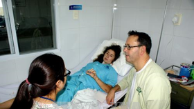 Isabelle Garrett Peel is staying in Da Nang Hospital (Photo: VNA)