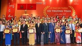 Good teachers who are Vo Truong Toan prize winners are honored (Filed photo: SGGP)
