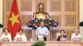 Prime Minister Nguyen Xuan Phuc chairs a meeting of the National Committee for Education Reforms and the National Council of Education and Human Resources Development from 2016 – 2020 on May 29. (Photo: VNA)