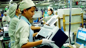 An assembly line in Samsung Vietnam Company located in Yen Phong Industrial Park. Photo by Vietnam News Agency