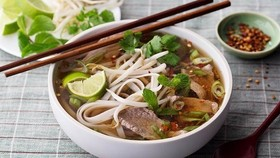"Pho on the Hau River and 500 other dishes were selected as one of the best dishes in Lonely Planet's new book ""Ultimate Eatlist: The World's Top 500 Food Experiences...Ranked"". (Photo: baoquangninh.vn)"