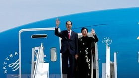 President Tran Dai Quang and his wife at Bole Airport in Addis Ababa of Ethiopia (Photo: VNA)
