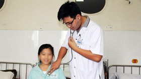 Vietnamese kid has Hematidrosis