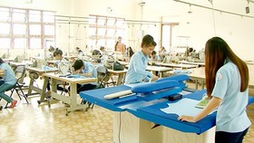 Students are learning a job at a vocational school in HCMC (Photo: SGGP)