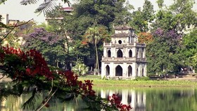 Hoan Kiem Lake in Hanoi (Photo: VNA)