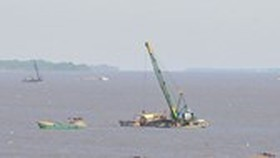 Barges caught red-handed illicitly sand mining