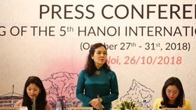 Ngo Phuong Lan, chairwoman of the Cinema Department, speaks at the press conference for the film festival. Photo toquoc.vn