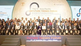 Leading policymakers, scientists, and experts from Asia's health sector and representatives from the World Bank gather at the 11th Asia-Pacific Future Trends Forum in Hanoi (Source: sggp.org)