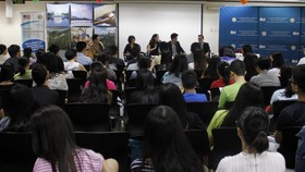 Vietnamese students contribute $881,000,000 to U.S. economy