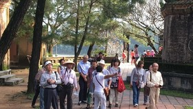 Tourists from the Republic of Korea visit Vietnam (Photo VNA)