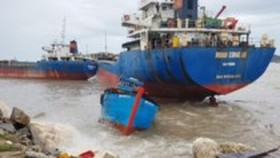 13 missing after vessel suddenly sunk by storm Talas