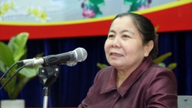 Deputy Chairwoman of the National Assembly of Laos Sysay Leudedmounsone speaks at the work.