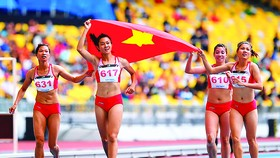 Le Tu Chinh wins gold medal at SEA Games 29 in 4x400m event