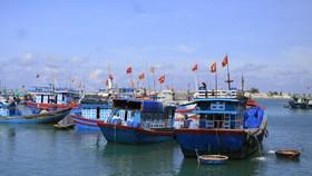 Quảng Ngãi còn 1.160 tàu thuyền còn hoạt động ngoài khơi