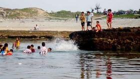 Tắm biển, một du khách tử vong tại đảo Lý Sơn