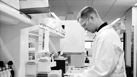 Làm gì để phòng ngừa đề kháng kháng sinh?