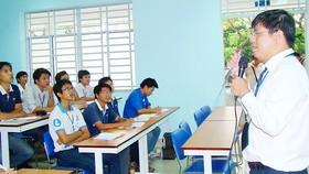Giảng viên ĐH Bách khoa TPHCM trong giờ dạy thuộc chương trình tiên tiến