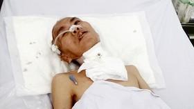 Người đàn ông neo đơn lâm bệnh nặng