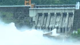 Bắc bộ mưa lớn, thủy điện Sơn La, Hòa Bình phải mở 1 cửa xả đáy