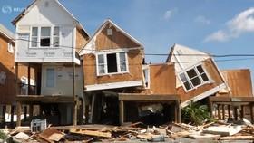 Quân đội Mỹ khẩn trương tìm kiếm người sống sót sau khi bão Michael quét qua Florida