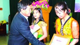 """Quỹ hỗ trợ giáo dục Lê Mộng Đào trao tặng hơn 1,5 tỷ đồng học bổng """"Đồng hành chắp cánh ước mơ"""" 2018"""