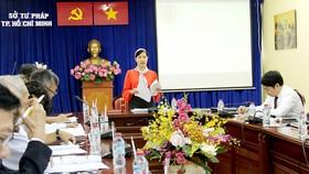 """Bà Phan Thị Bình Thuận phát biểu tại Hội nghị Sơ kết thực hiện """"Đề án nâng cao năng lực và hiệu quả hoạt động của trọng tài thương mại đến năm 2020"""" tại TPHCM tháng 1-2018"""