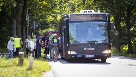Tấn công bằng dao trên xe buýt ở Đức